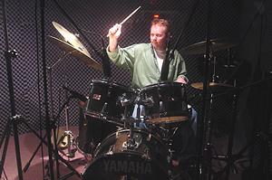 drumStickUP1490
